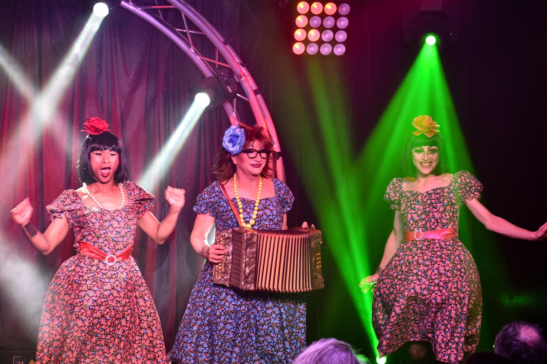 Spectacle du « Messieurs Dames Show »